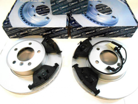 Brzdové kotouče 310 mm + destičky + snímač přední náprava BMW E60 + E61 520i-525e